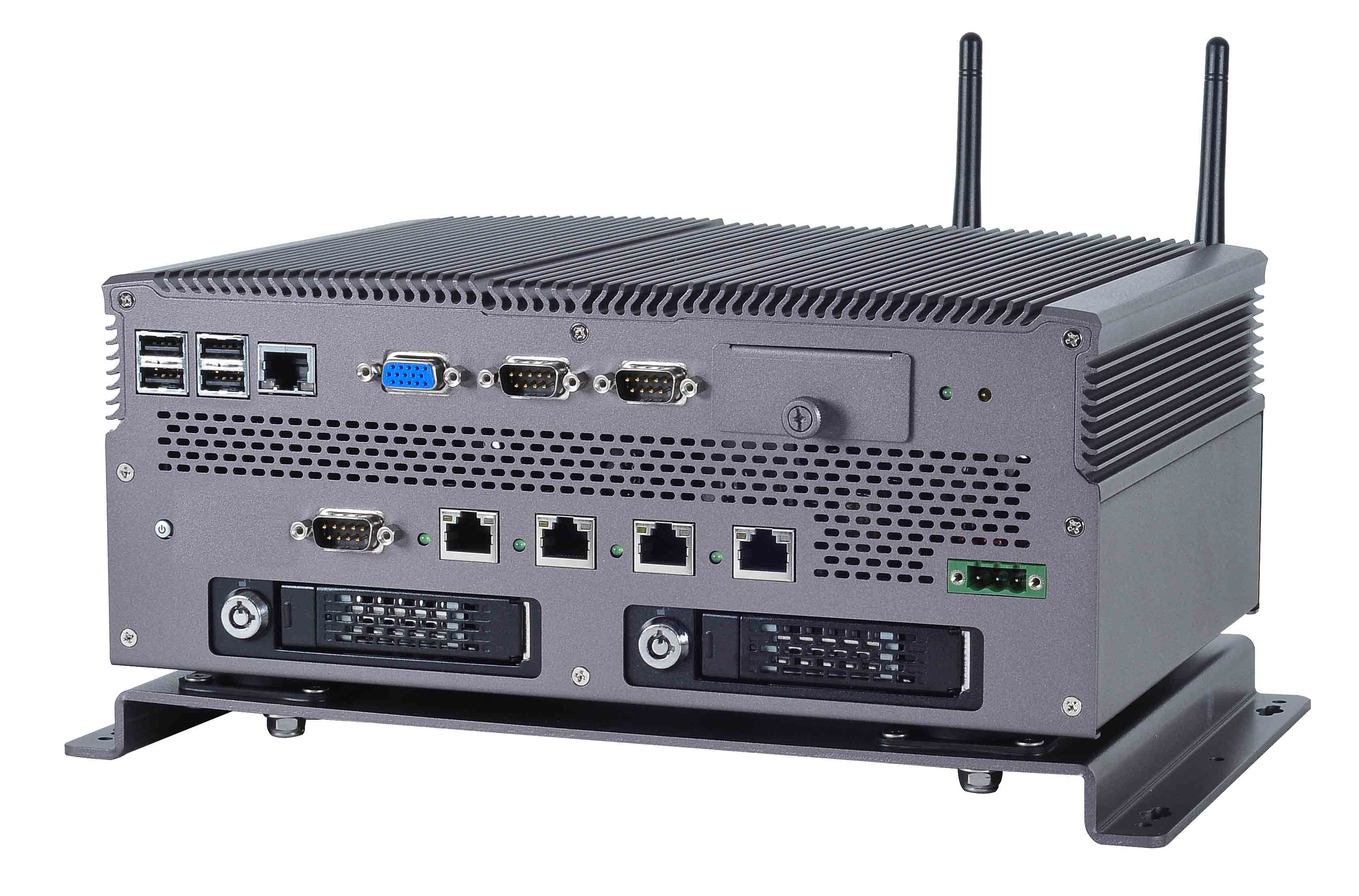 Vehicle PC with 4 PoE points for IP Camera